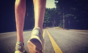biegajacy atleta